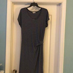 Gap maternity navy striped dress